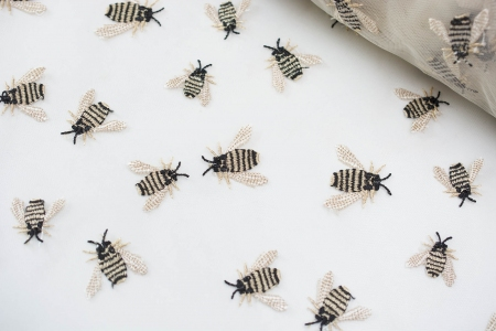 TIUL HAFTOWANY QUEEN BEE