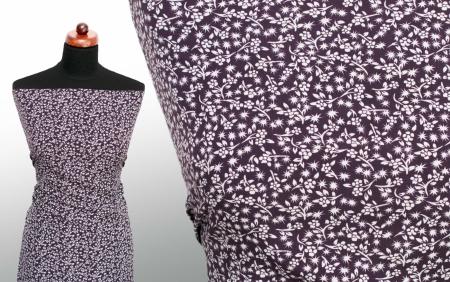 TKANINA SILKY CREPE DELICATE FLOWERS ECRU/GRAPE