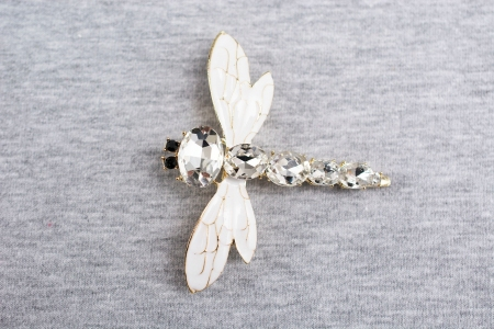 APLIKACJA BROSZKA DRAGONFLY WHITE/GOLD