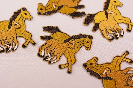 APLIKACJA TERMOPRZYLEPNA DOUBLE HORSES